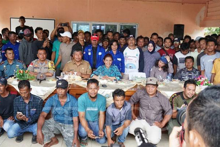Susi says goodbye, tells fishermen to keep foreign ships away