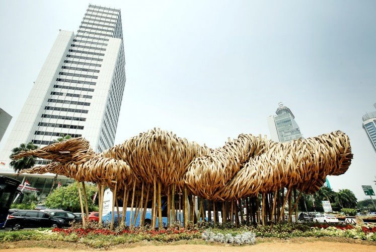 Gone is the Rp 550 million art installation. Public: Money can be used for other purpose.