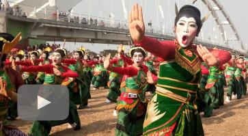 Bojonegoro promotes 'wayang thengul', 'sego buwuhan' to the world