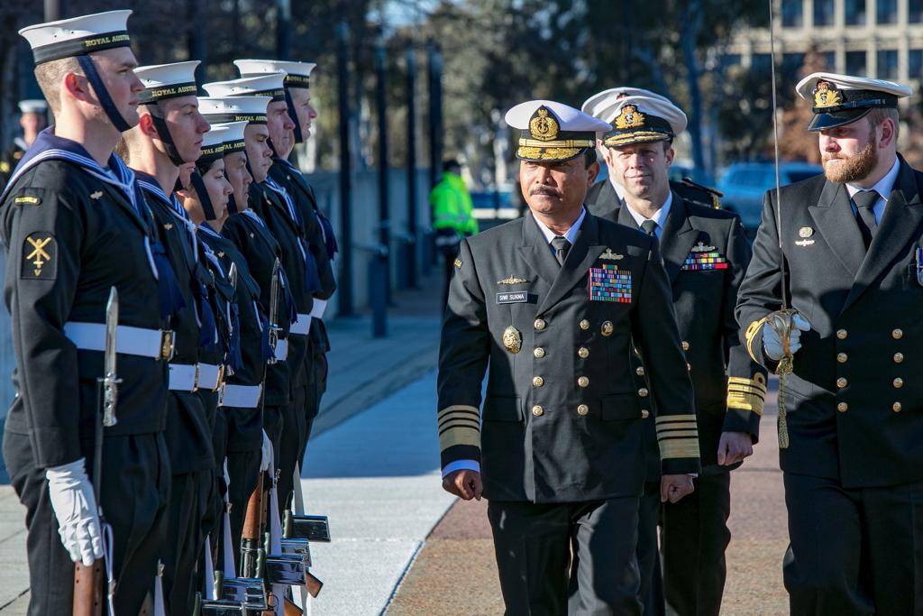 Navy chief of staff talks maritime security with Australia