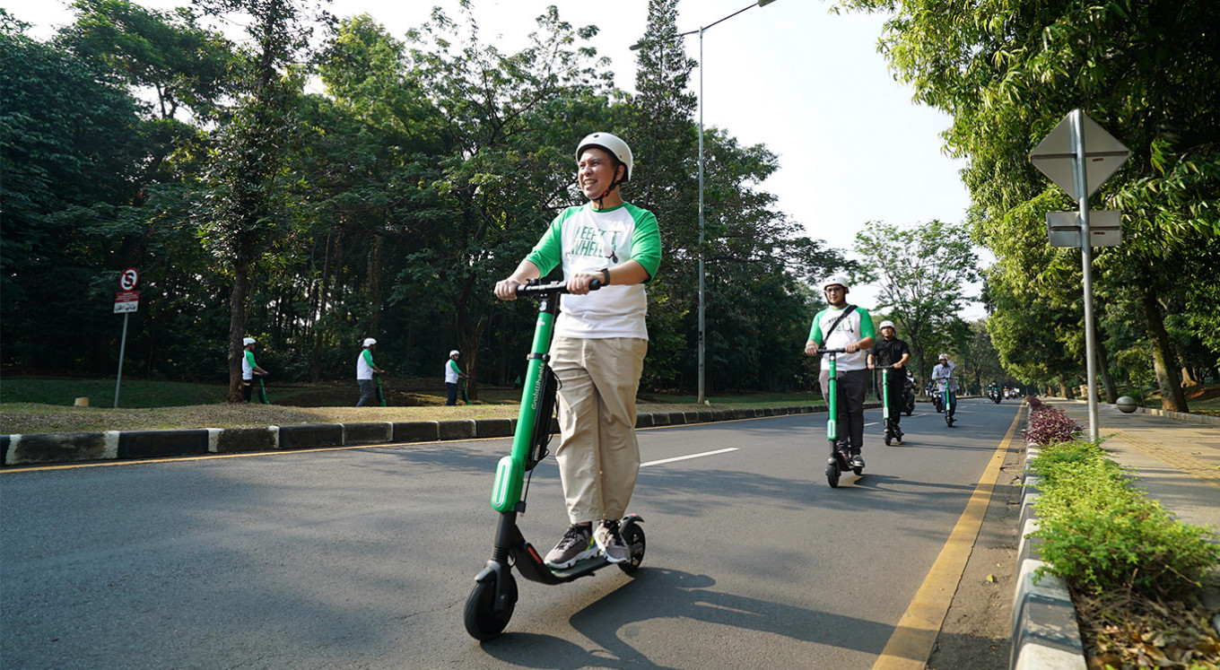 E-scooter provides alternative transportation within UI campus