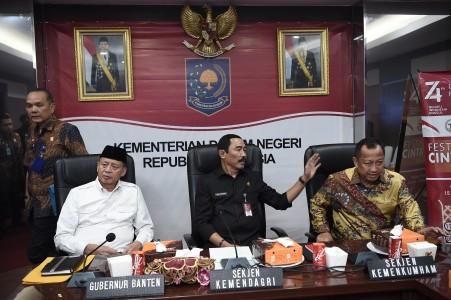 Human rights minister, Tangerang mayor agree to bury the hatchet