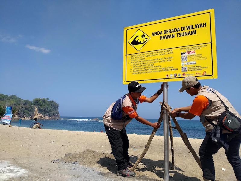 Disaster mitigation agency kicks off program to train locals along Java's south coast