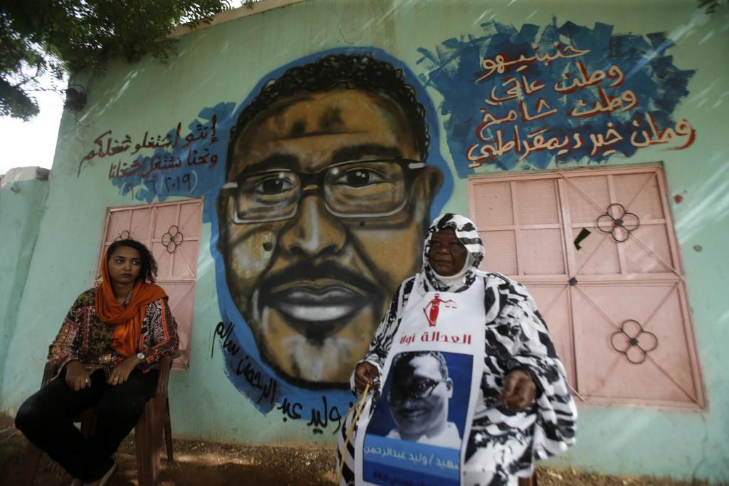 Sudan murals commemorate protest 'martyrs'