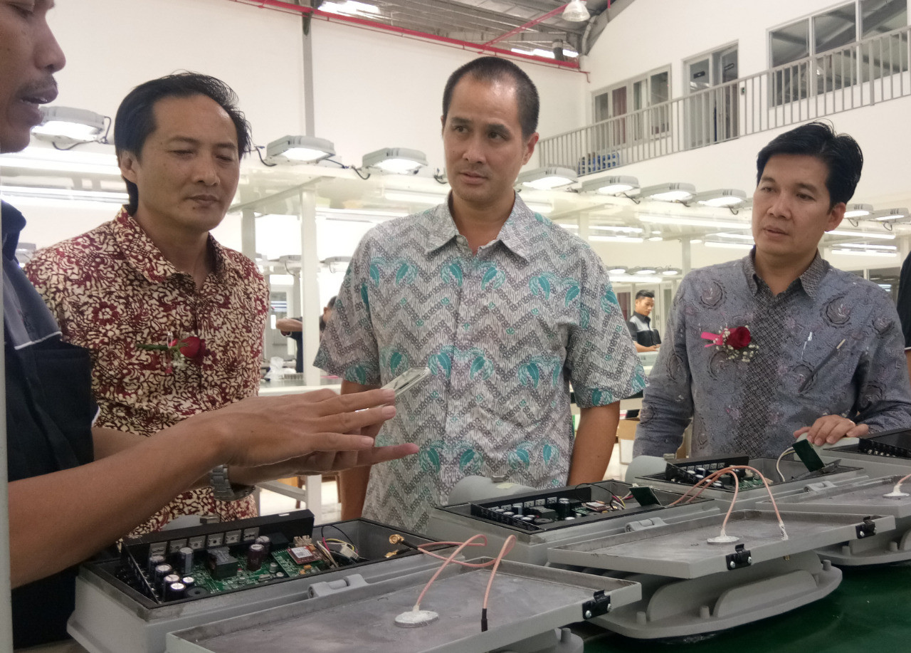 Pt Sei Unveils Renewable Energy Based Smart Lights Business The Jakarta Post