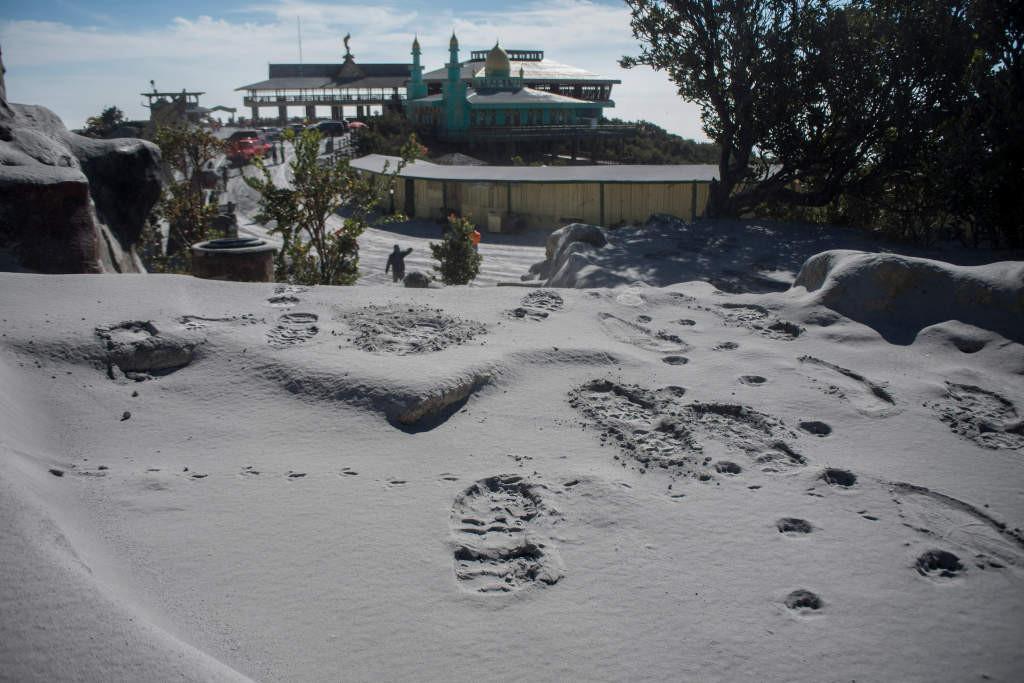 Tangkuban Parahu still closed to tourists after eruption