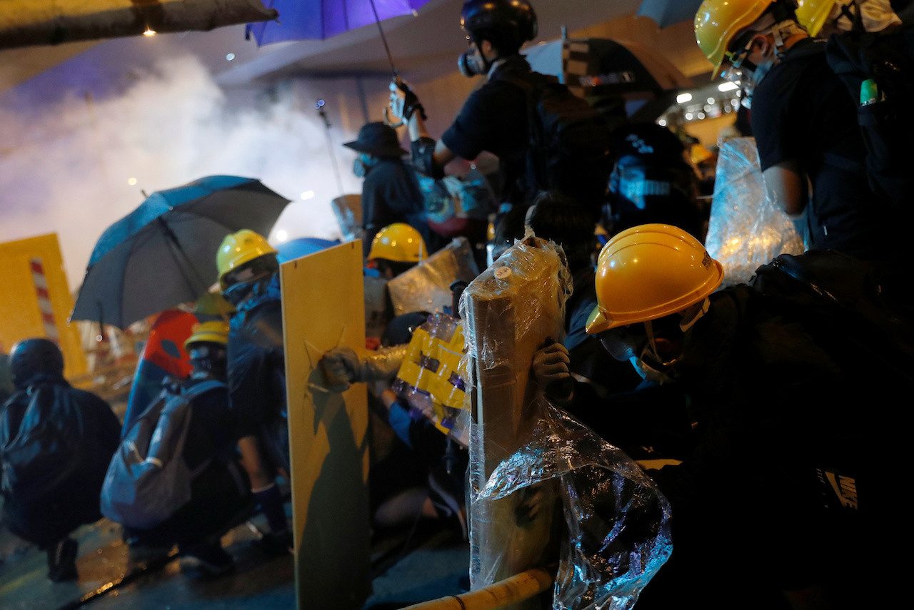 Indonesian journalist hit by rubber bullet during Hong Kong protests