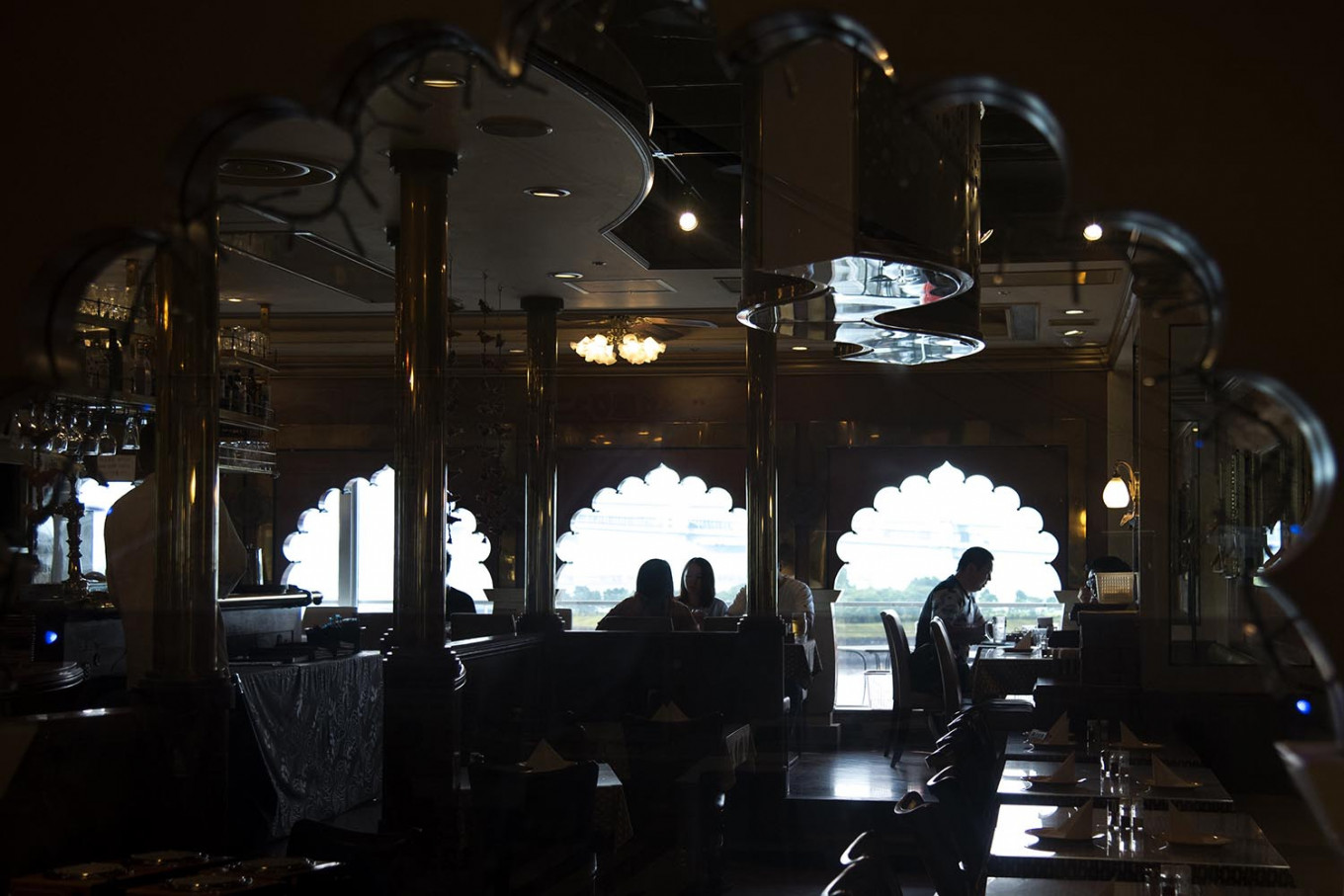 Some halal restaurants are decorated with Middle East ornaments as well as serving Middle East menu. JP/Rosa Panggabean
