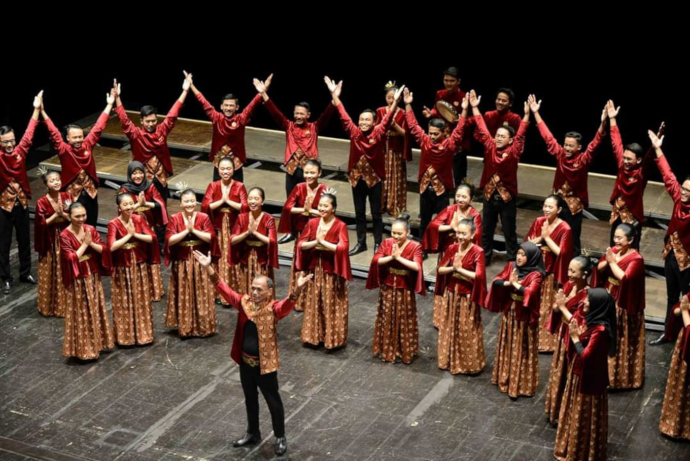 Indonesian student choir wins big at two international competitions in Italy