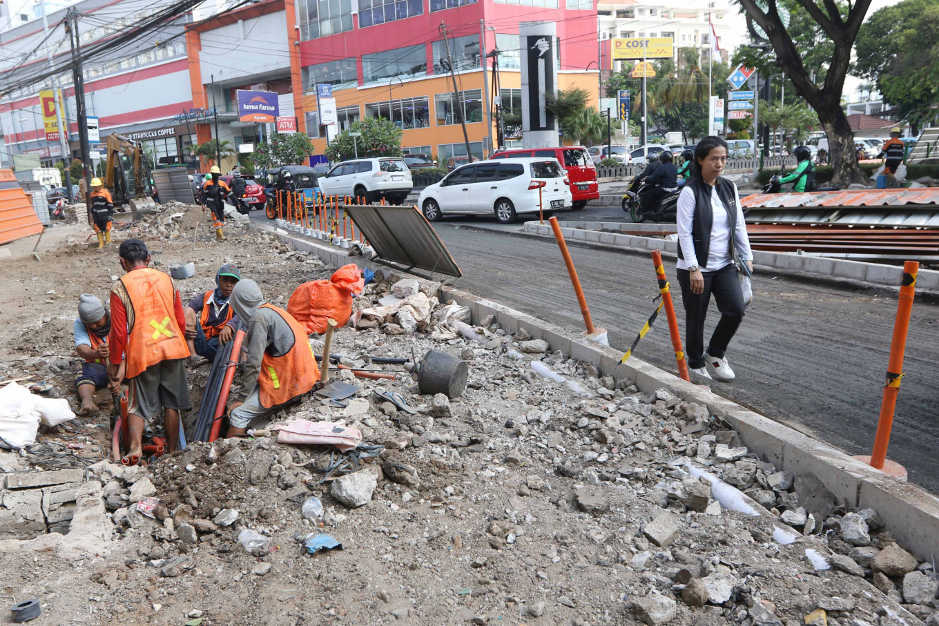 Jakarta's ambitious sidewalk renovation project met with budget cut from city council