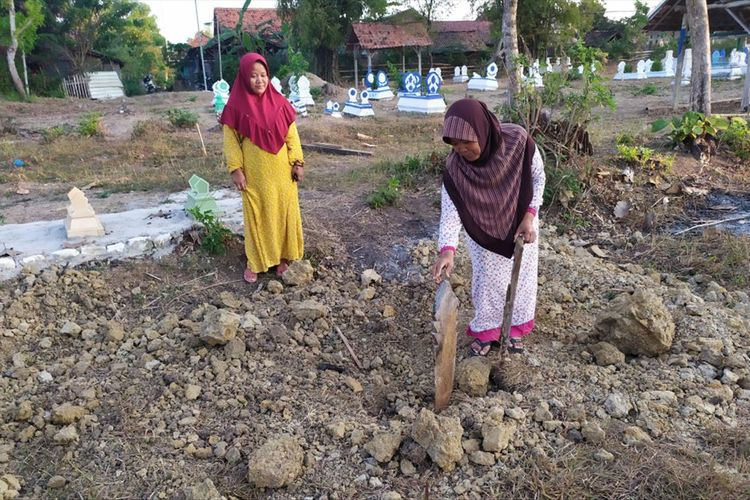 Villagers angered after digging grave for man who faked his death