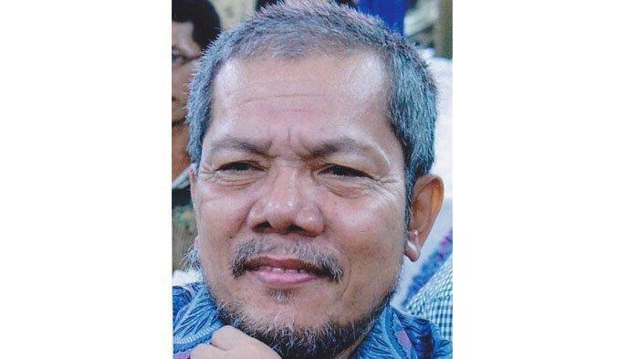Award-winning West Sumatran writer Darman Moenir dies at 67