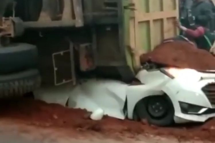 Baby miraculously survives after truck crushes car, killing four