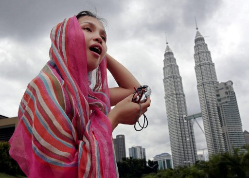 Malaysian lawmaker sorry for proposed 'anti-seduction law'