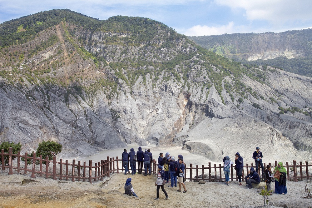 Mount Tangkuban Parahu reopens on Thursday