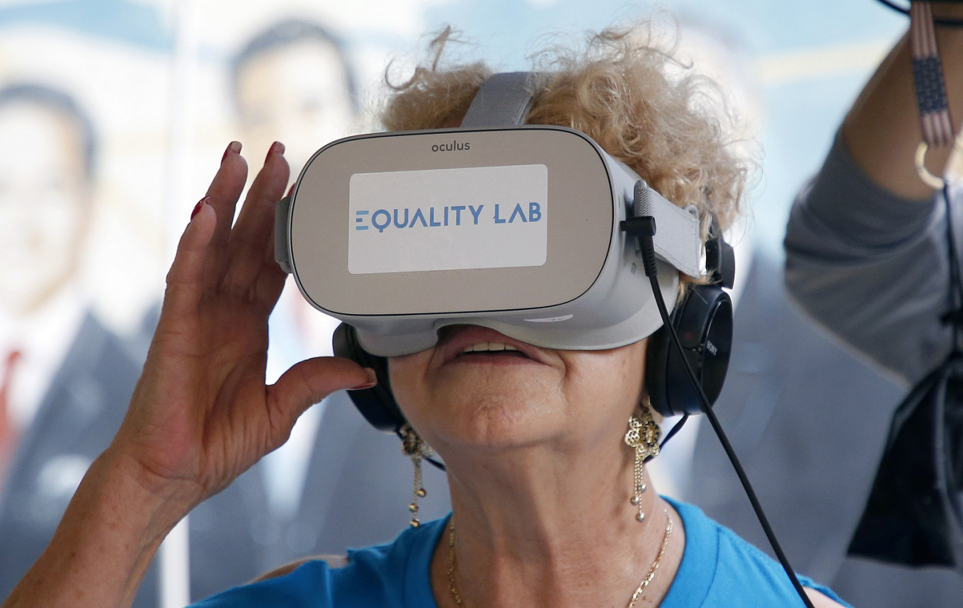 US seniors fulfill dreams, fight depression with virtual reality