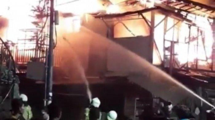 Fire razes Goat Market in Tanah Abang, killing two