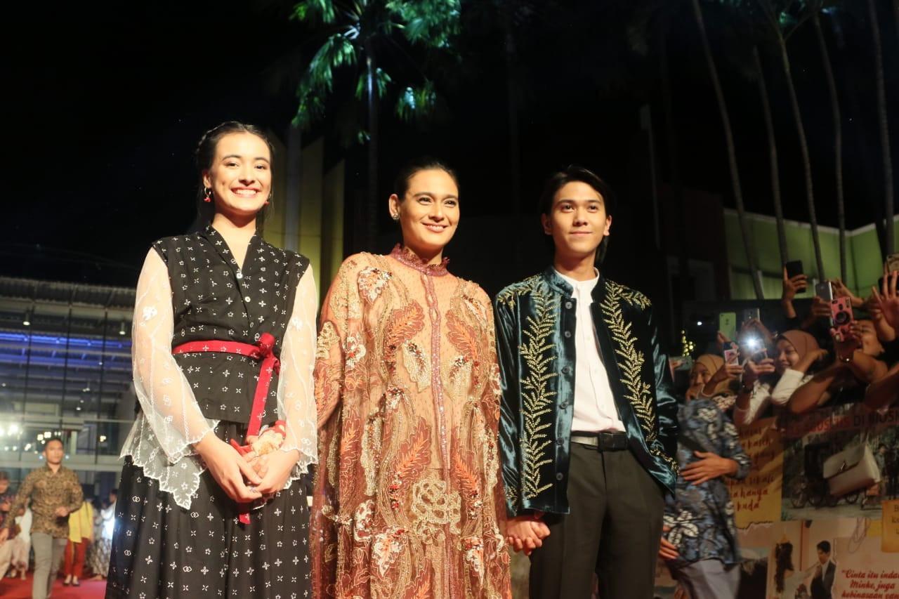 Highly-anticipated 'Bumi Manusia', 'Perburuan' unveiled in lavish premiere in Surabaya