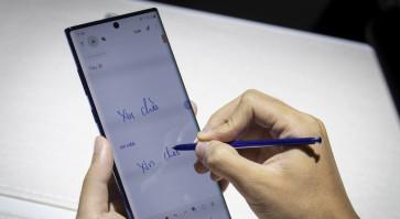 Samsung unveils premium-priced Galaxy Note 10