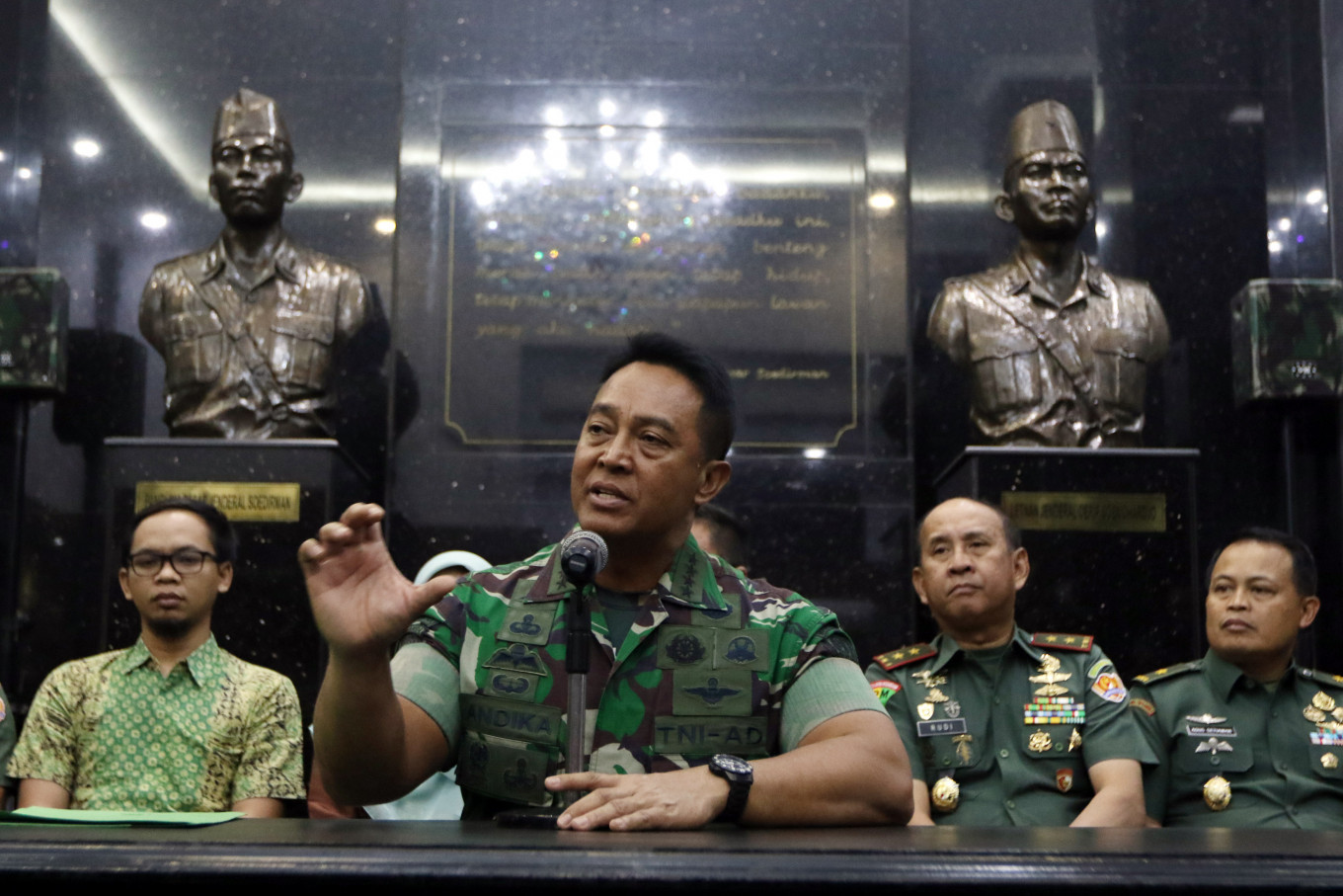 Five more soldiers punished for negative comments on Wiranto attack