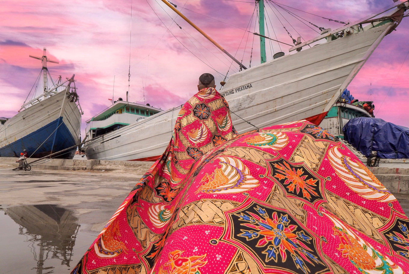 Colors from Home exhibition shows vibrant side of Indonesian batik