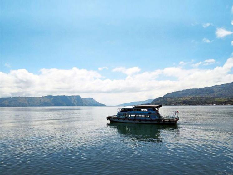 No plan to change Bali, Lake Toba to be'Muslim tourist-friendly' sites, minister says