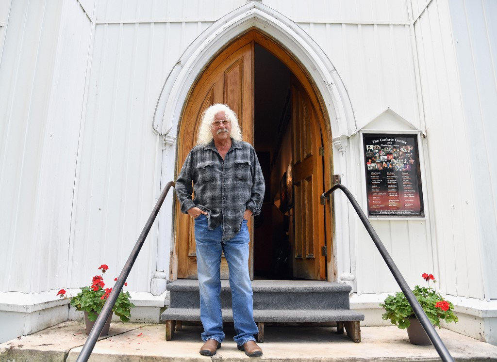 Folk mainstay Arlo Guthrie reflects on 'transformative' Woodstock experience