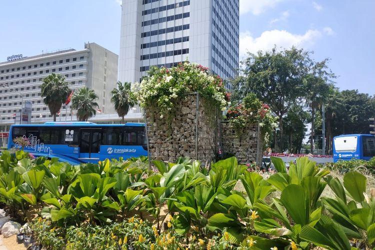 Gabion replaces controversial bamboo art installation at Bundaran HI
