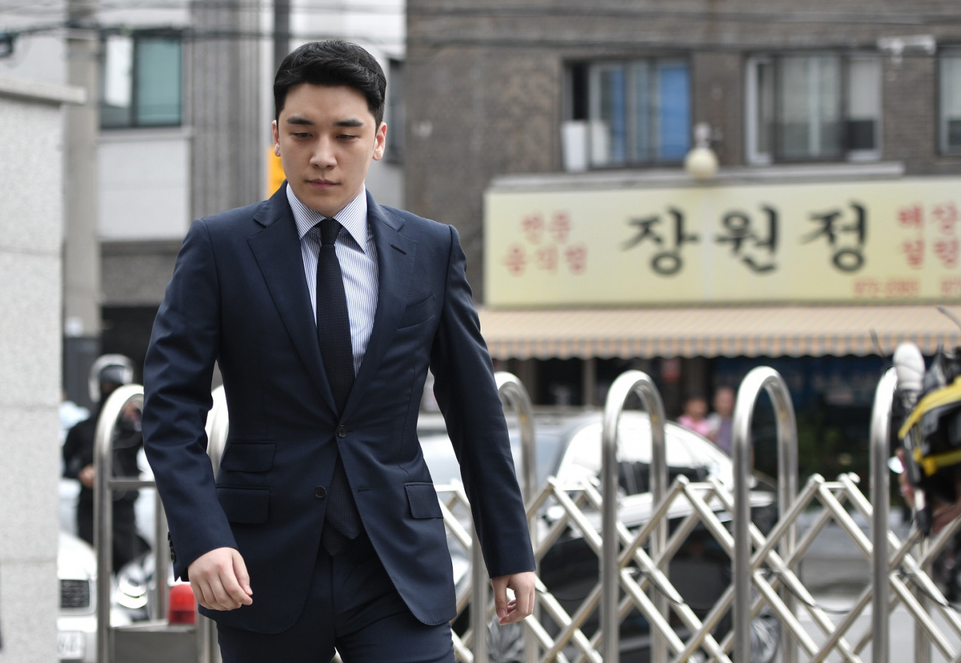 Seungri indicted for allegedly procuring prostitutes for investors, overseas gambling