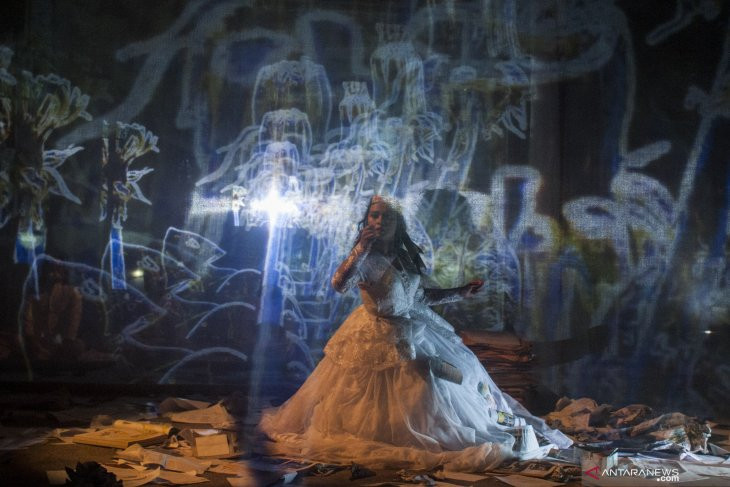 Thespians from Bandung, Melbourne collaborate on 'Hades Fading'