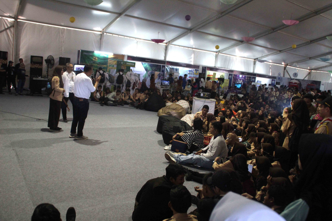 Diplofest offers Semarang students insights into diplomacy
