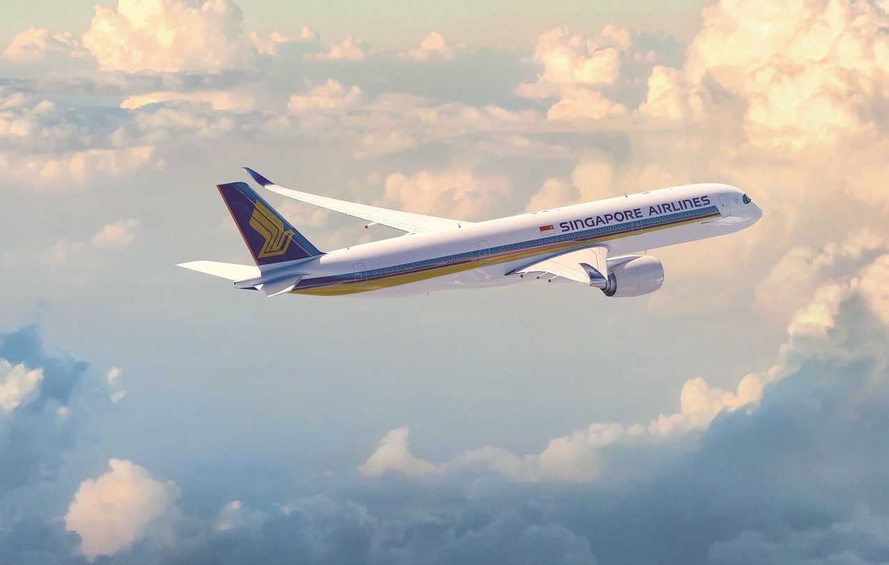 Singapore Airlines slashes 96% of capacity as virus saps demand