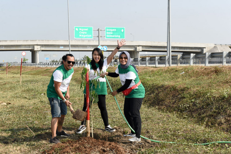 Yes, we care: Djarum Foundation has involved the public, including members of the mainstream band Kotak, in climate change-mitigation initiatives by planting trembesi trees along the Ngawi-Kertosono toll road in East Java.