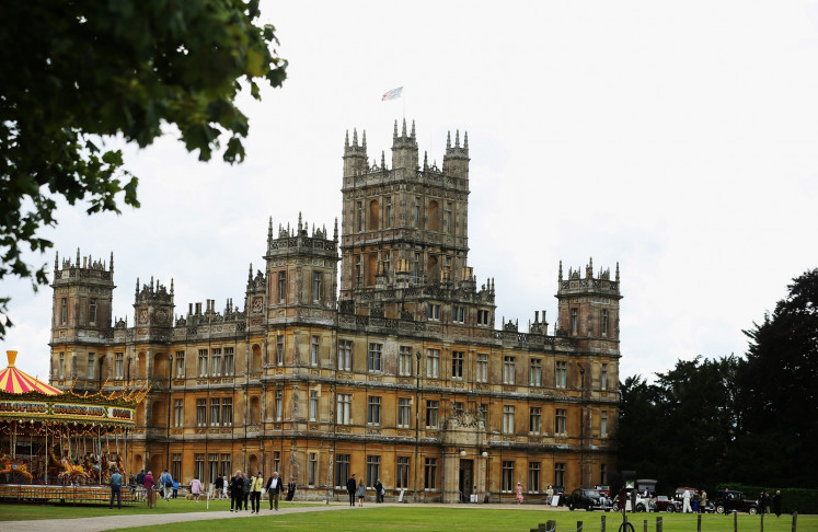 Fans flock to 'Downton Abbey' castle ahead of film debut