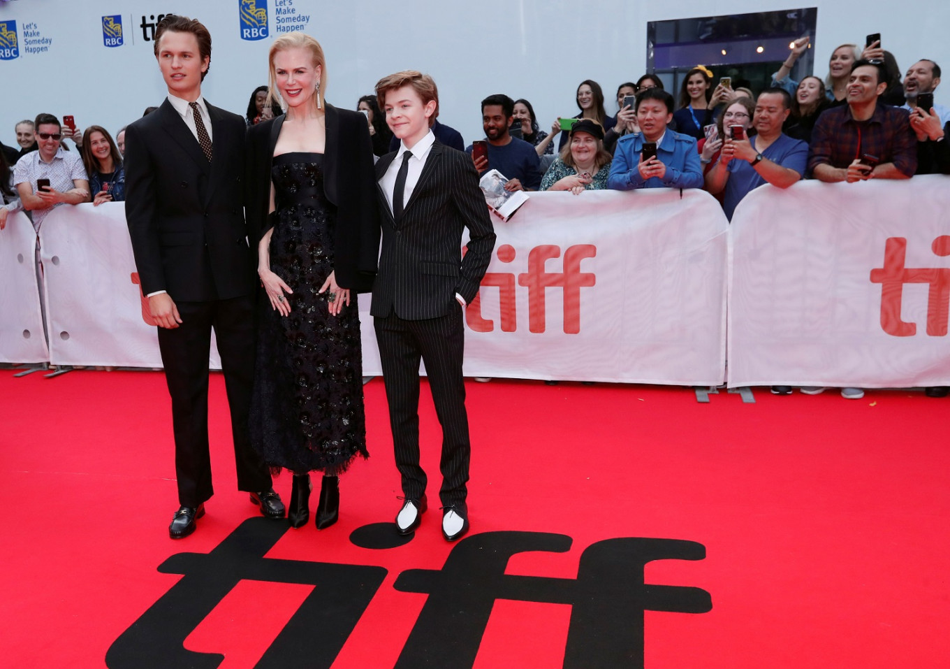 'The Goldfinch' aims to live up to book at Toronto Film Festival