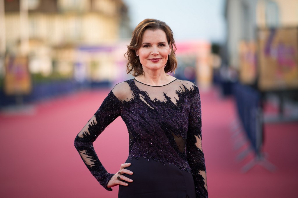 Lack of female directors in Hollywood an 'embarrassment': Geena Davis