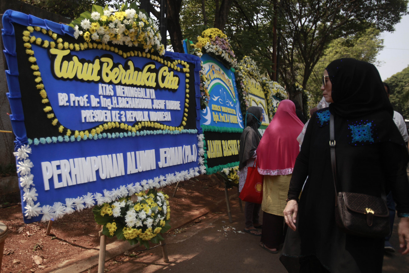 International dignitaries, communities mourn BJ Habibie's demise