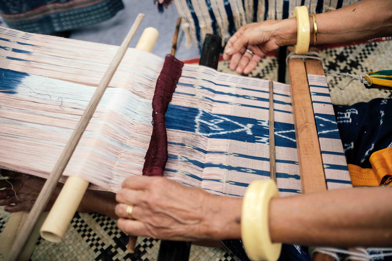 Ikat artisans work together to save world heritage