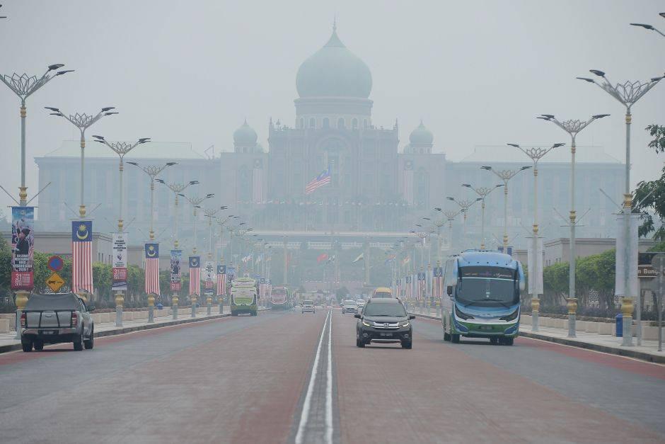 Putrajaya schools to close Tuesday as haze hits 'very unhealthy' levels
