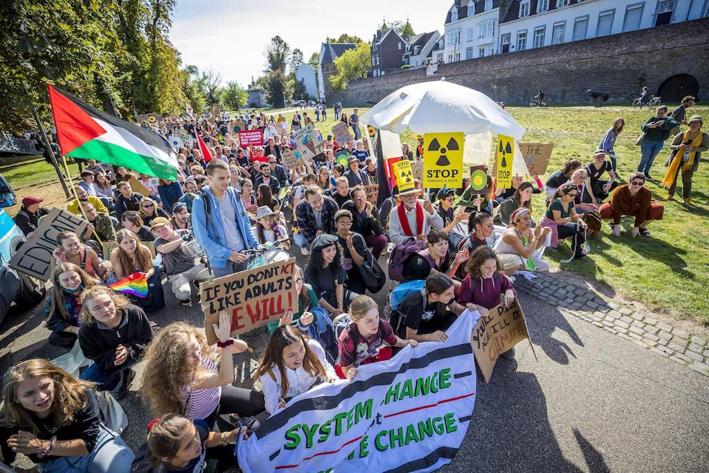 Students demand change in vast global climate strike