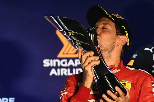 Vettel praises confidence-boosting support after Singapore win