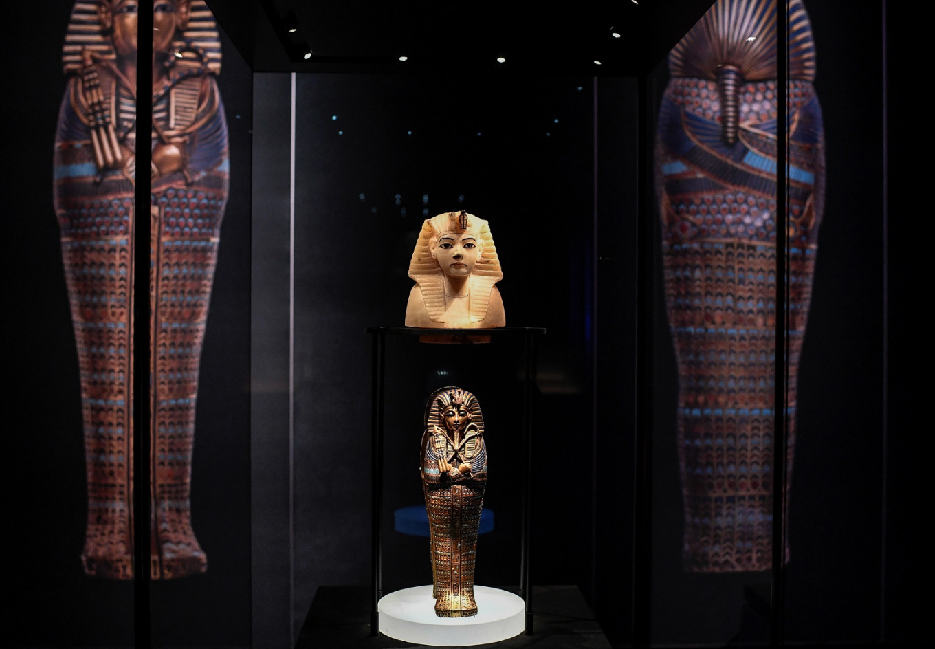 Paris Tutankhamun show sets new record with 1.42m visitors