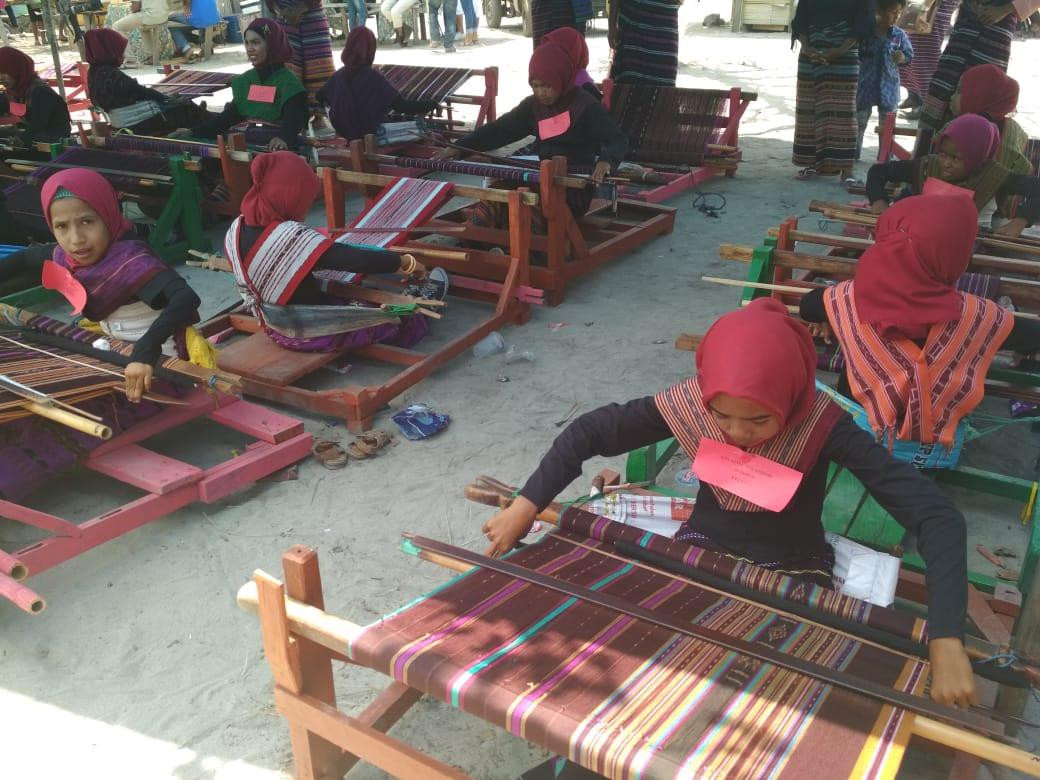 Weaving to become a compulsory subject at East Flores schools