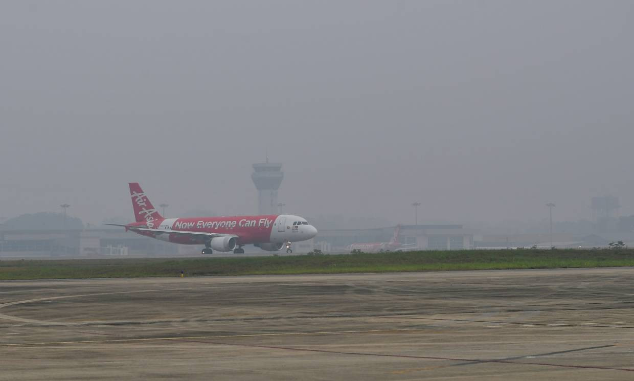 No respite from haze in Malaysia as air quality remains at unhealthy levels; four flights from Ipoh cancelled