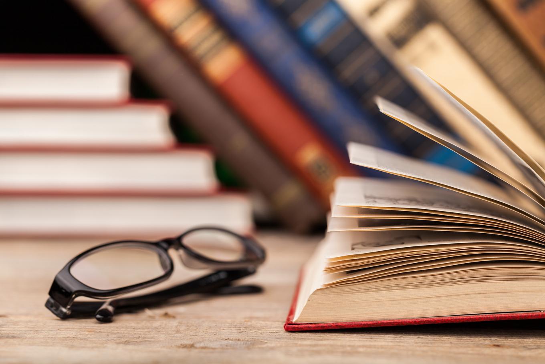 Algerian author wins top Arab fiction prize for 'Spartan Court'