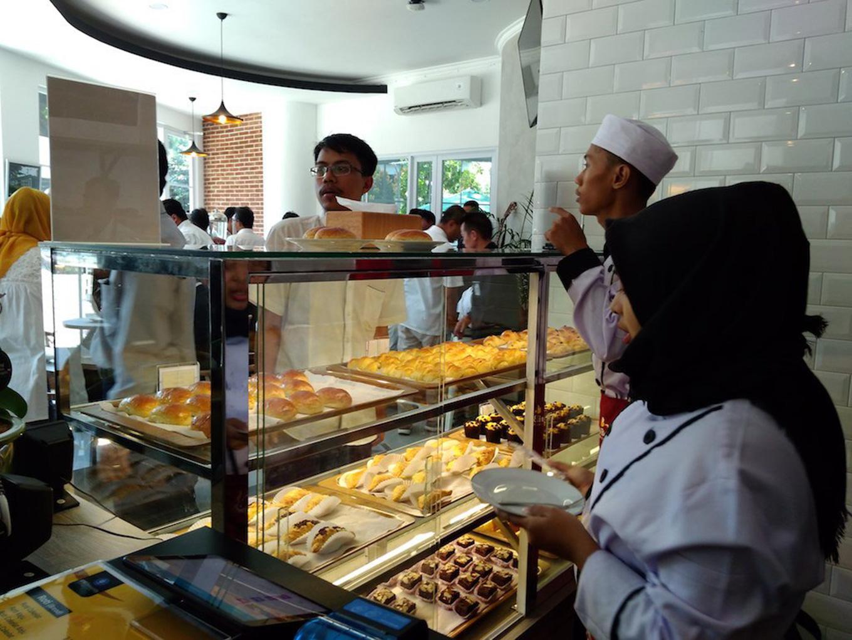 IPB promotes food independence, diversification through launch of Botani bakery