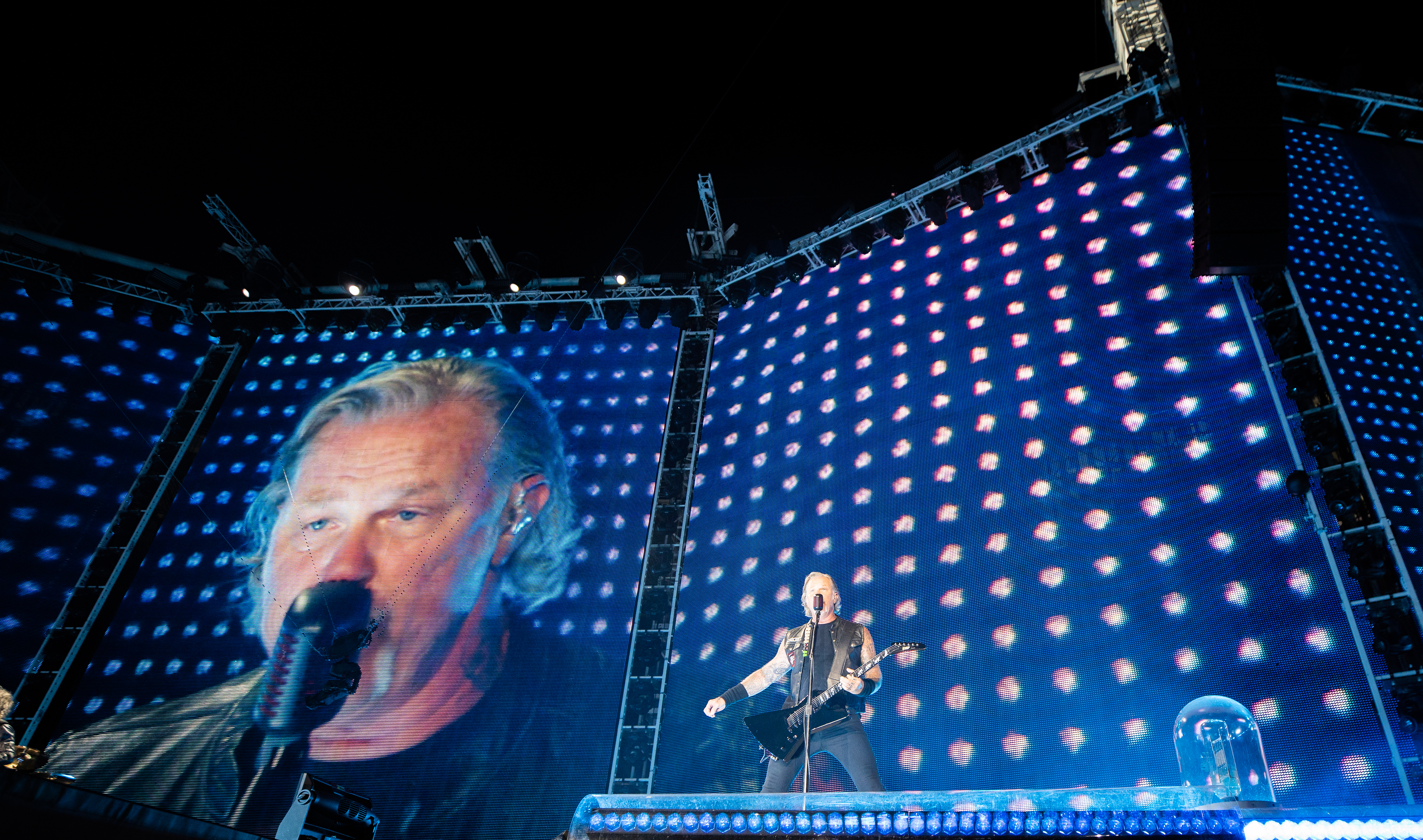 Metallica postpone Australia, NZ tour after frontman enters rehab
