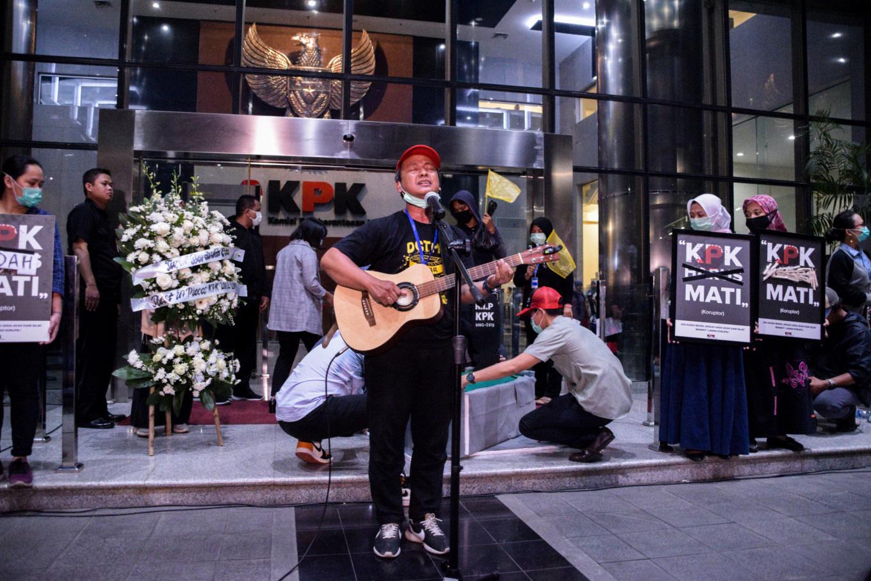 #Reformasidikorupsi rallies continue as musicians amplify student demands