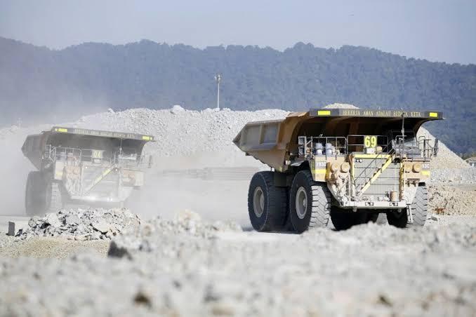 Disclosure regarding mining contracts, licenses essential
