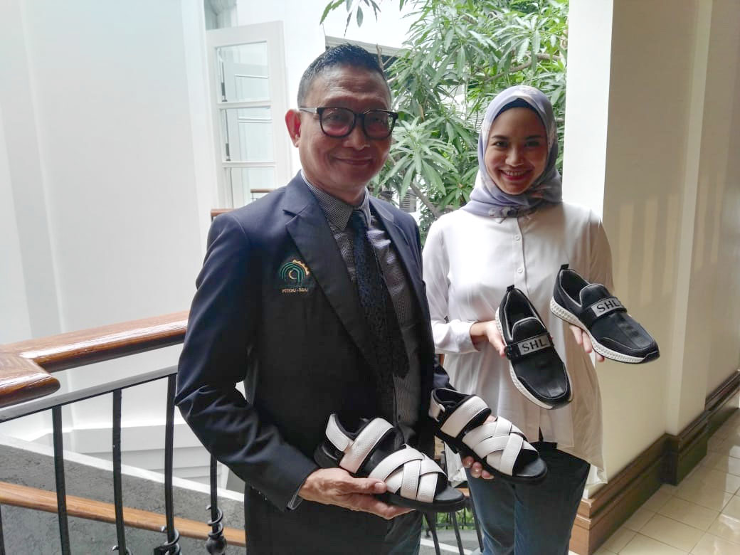 SHL promotes foot wellness, offers shoes with built-in insoles for haj pilgrims